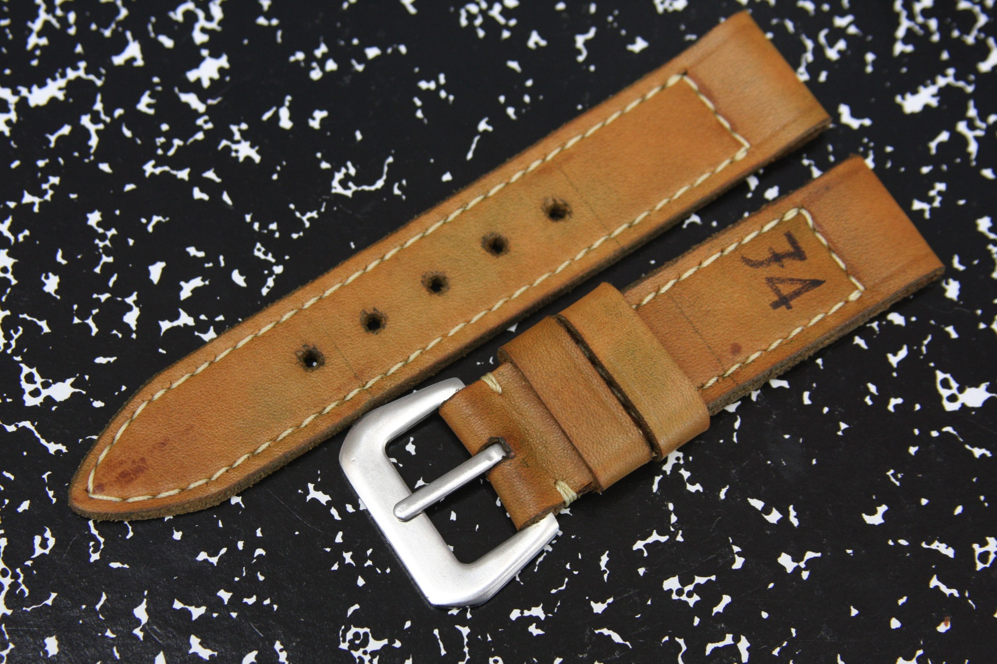 how to use buckle straps