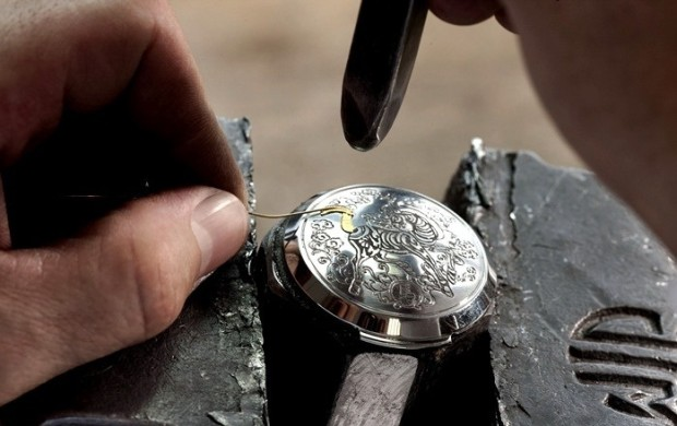 Panerai-Sealand-Year-of-the-Horse-Engraving-and-Inlyaing-620x390