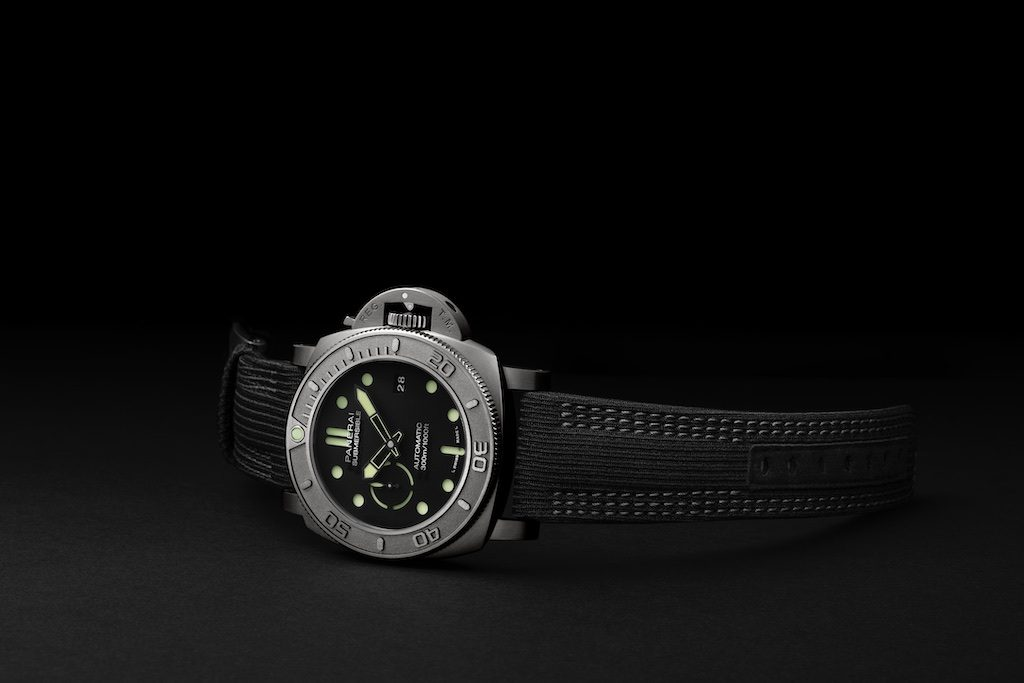 PAM00984 Submersible Panerai Mike Horn